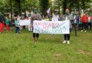 Selon Midi Madagascar, une dizaine de personnes ont manifesté à Paris contre le Colisée